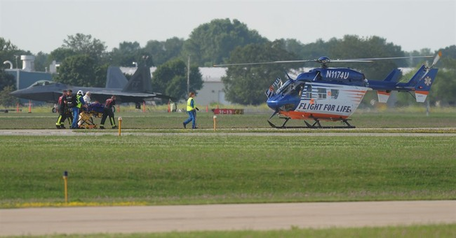 Small plane crashes at Wisconsin airport, 6 injured