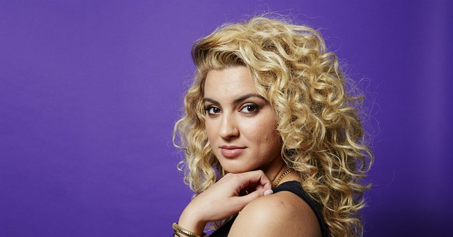 Thanks to live performances, newbie Tori Kelly creates buzz