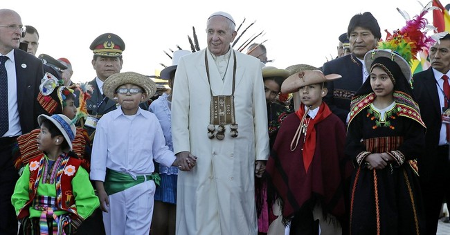 Poll: US views of Francis dim; a plunge in approval ratings