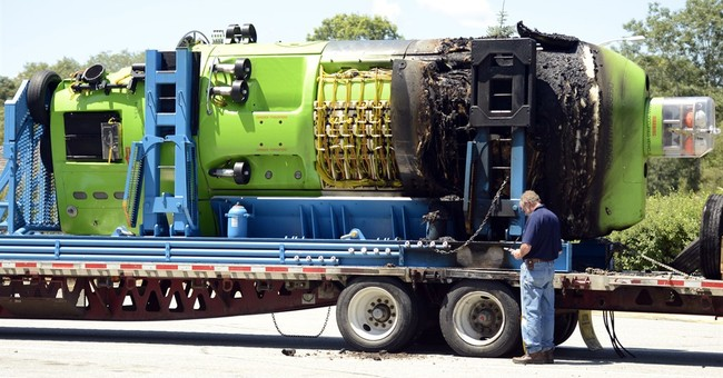 Deepsea Challenger sub damaged in truck fire