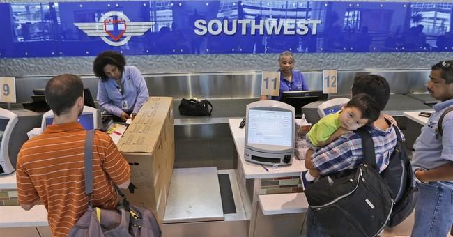 Cheaper fuel helps Southwest, United post record 2Q profits
