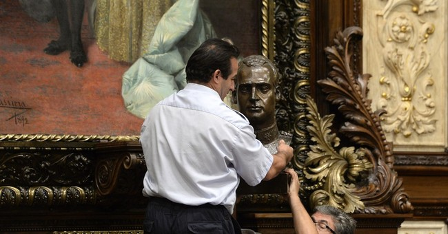 New Barcelona mayor criticized for removing old king's bust