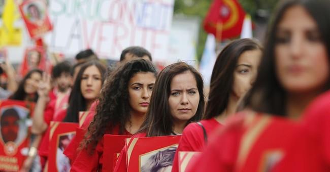 Kurds march in Paris to protest Turkish airstrikes on PKK