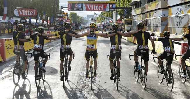 Chris Froome wins 2nd Tour de France