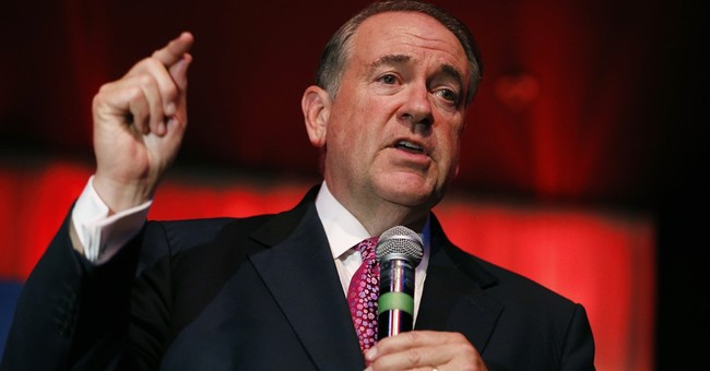 Huckabee criticizes Iran deal as being similar to Holocaust