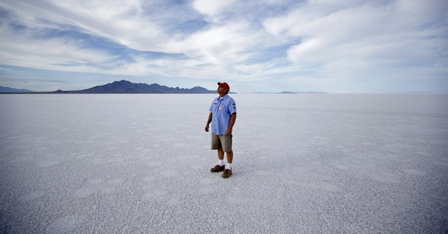 Cancelled Utah race renews fears of shrinking salt flats