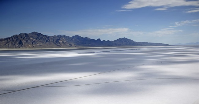 Canceled Utah race renews fears of shrinking salt flats