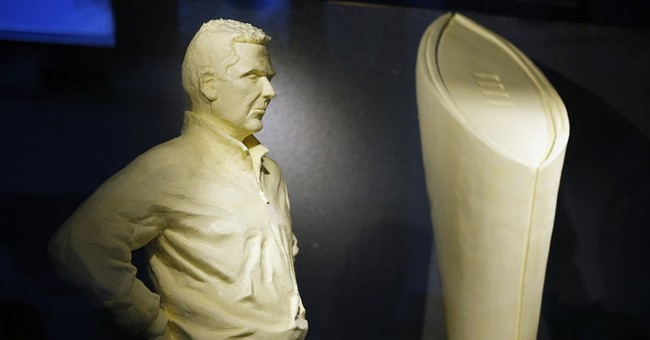 Ohio State coach Meyer, mascot celebrated in butter at fair