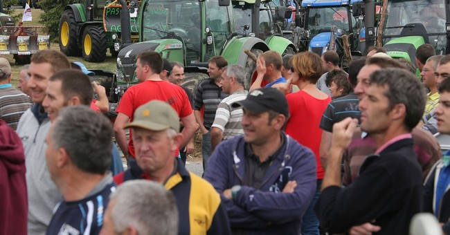 French farmers protest taps into freewheeling tradition