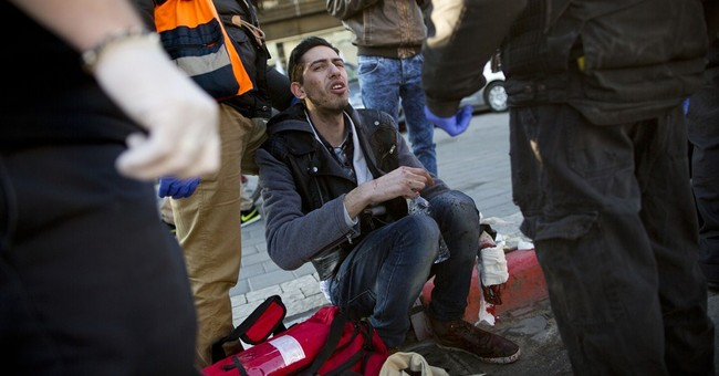 11 wounded by Palestinian in Israeli bus attack in Tel Aviv