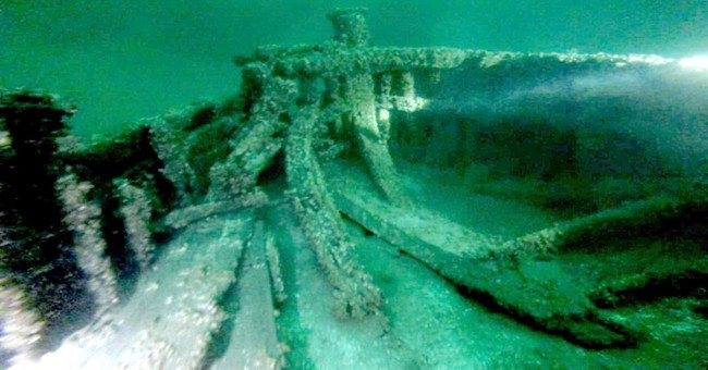 2 sunken canal boats from mid-1800s found in Lake Ontario