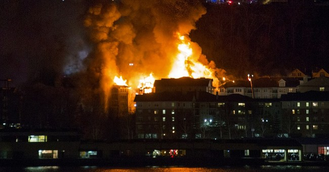 Hundreds displaced in New Jersey apartment building fire