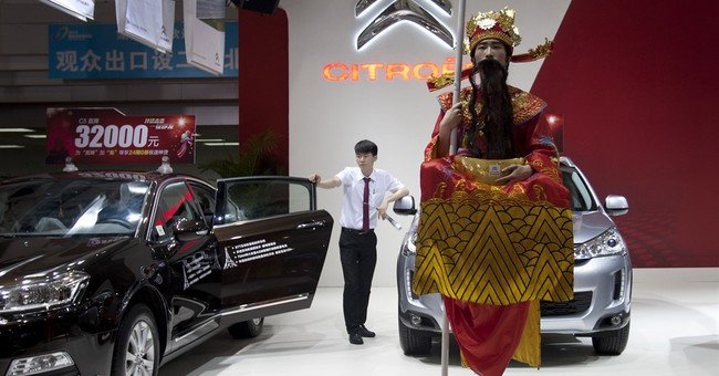 China auto sales slump hits industry fortunes