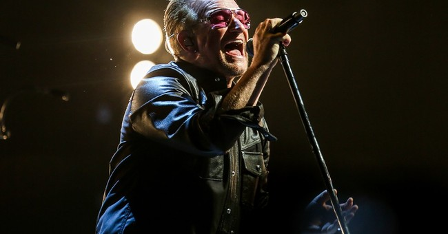 Paul Simon joins U2 onstage at NYC's Madison Square Garden