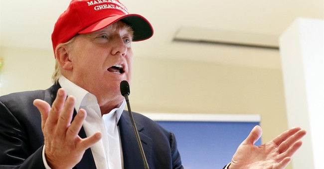 Trump turns golf trip into extension of campaign trail