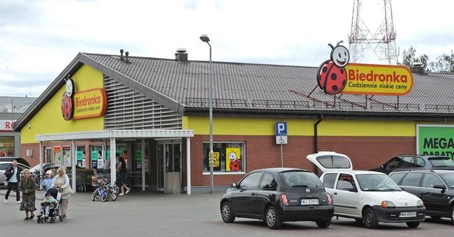 Polish plan to honor Portuguese-run supermarket sparks anger