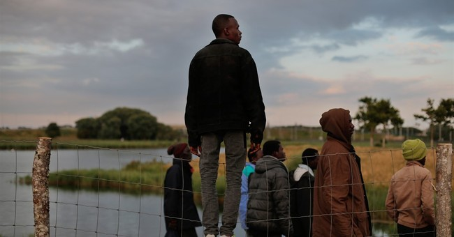 UK leader pledges to send help to France to control migrants