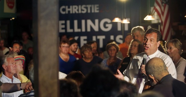 Christie, others turn to McCain's town hall playbook in 2016