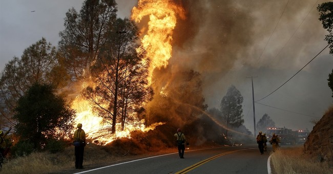 Wildfire raging north of San Francisco threatens homes