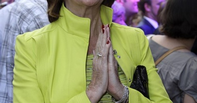 British singer and TV host Cilla Black dies at 72