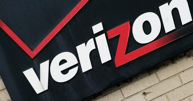 Verizon workers to stay on job without new contract