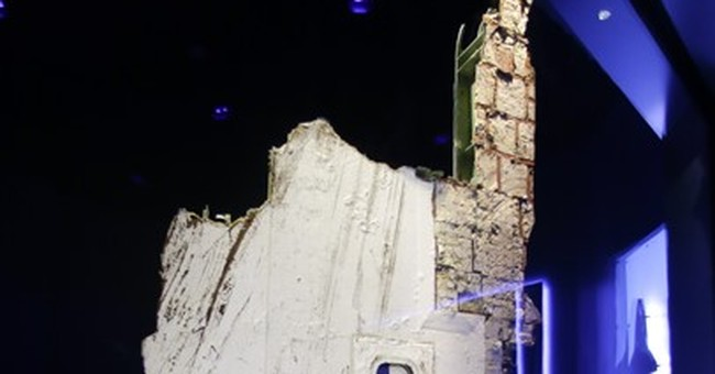 Challenger, Columbia wreckage on public display for 1st time