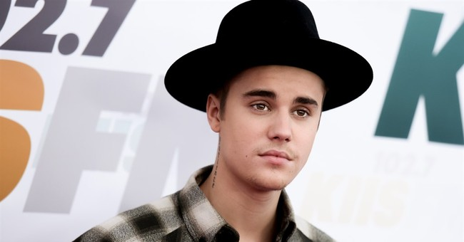 Bieber in compliance with vandalism sentence, judge says