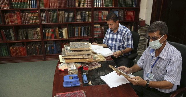 Facing Islamic State threat, Iraq digitizes national library
