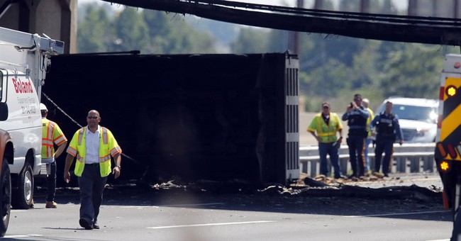 The Latest: New Jersey Turnpike reopens after fatal accident