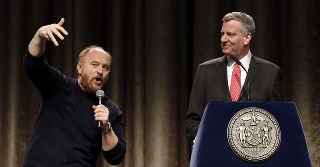 Comedy at NY City Hall: Louis C.K. shadows de Blasio