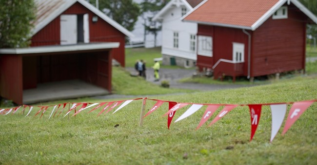 Youth camp resumes 4 years after massacre on Norwegian isle