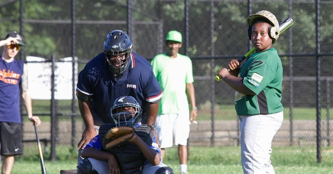 Chicago police officers start youth baseball league