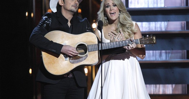 Brad Paisley, Carrie Underwood host CMAs for 8th year