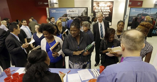Applications for US jobless aid rise to still-low 270,000