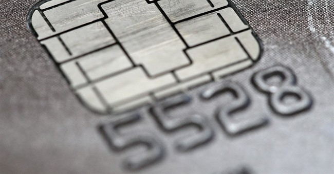 Poll shows few in US have received credit cards with chips