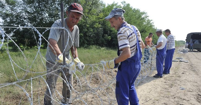 EU appeals for assets for Greece, Hungary migrant operations
