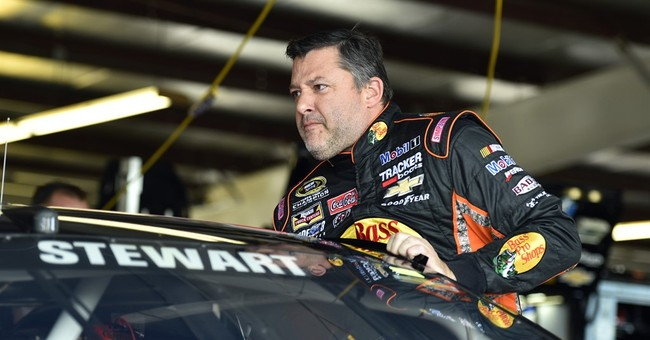 Family files wrongful death suit against Tony Stewart