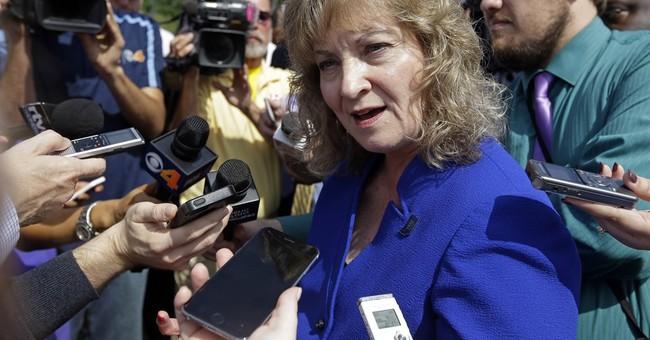 Indiana schools chief Glenda Ritz ending bid for governor