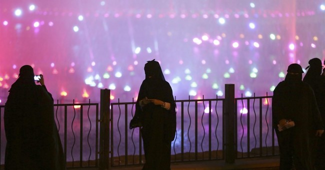 Viral video sparks concern in Saudi over harassment of women