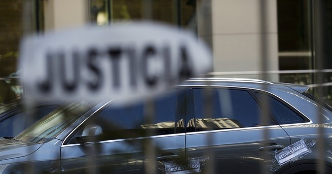 Reporter covering  prosecutor's death leaves Argentina