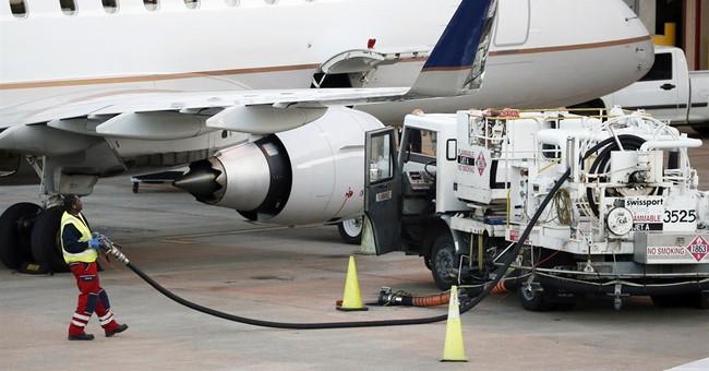 United Airlines 4Q profit drops 80 percent on write-downs