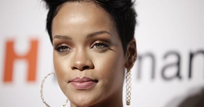 Rihanna wins court battle over Topshop T-shirt