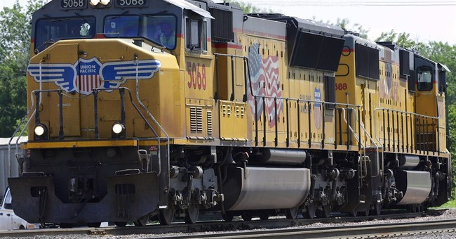 Union Pacific railroad hauls in 22 percent more 4Q profit
