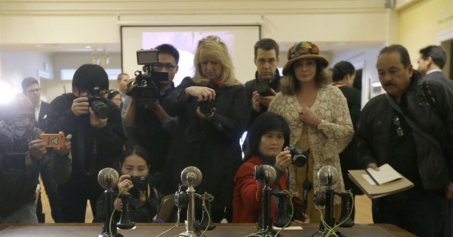 Old phone unveiled 100 years after first coast-to-coast call