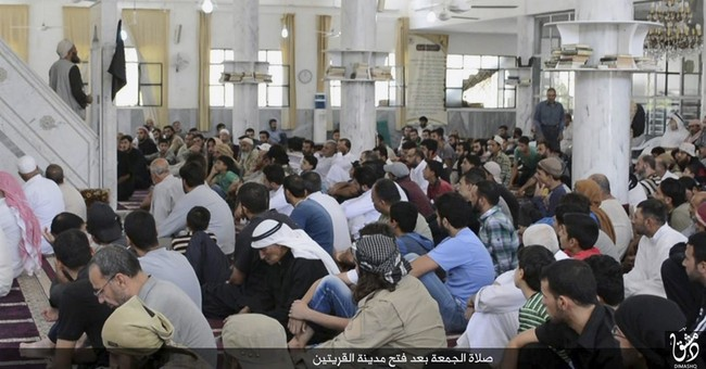 Activists: Hundreds of Syrian Christians flee Islamic State