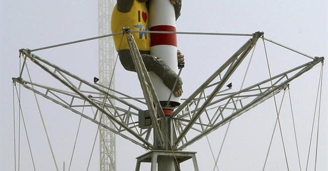 In King Kong, boardwalk amusement pier embraces the kitsch