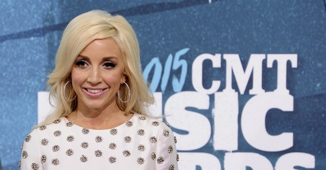 Ashley Monroe's old soul captivates country legends