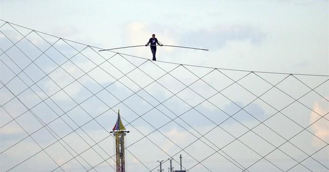 Wallenda completes his longest tightrope walk in Wisconsin