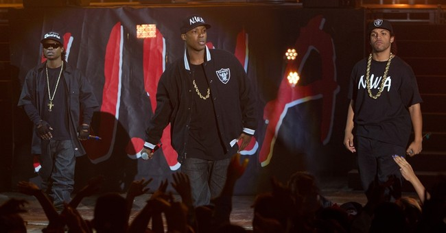 Review: 'Straight Outta Compton' a biopic to its own beat
