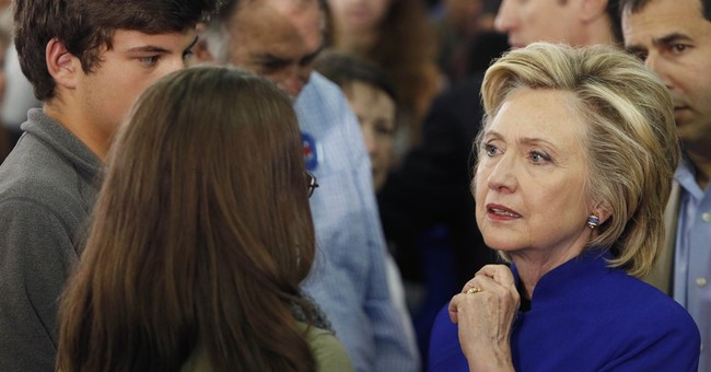 Email troubles persisting, Clinton camp reassures backers